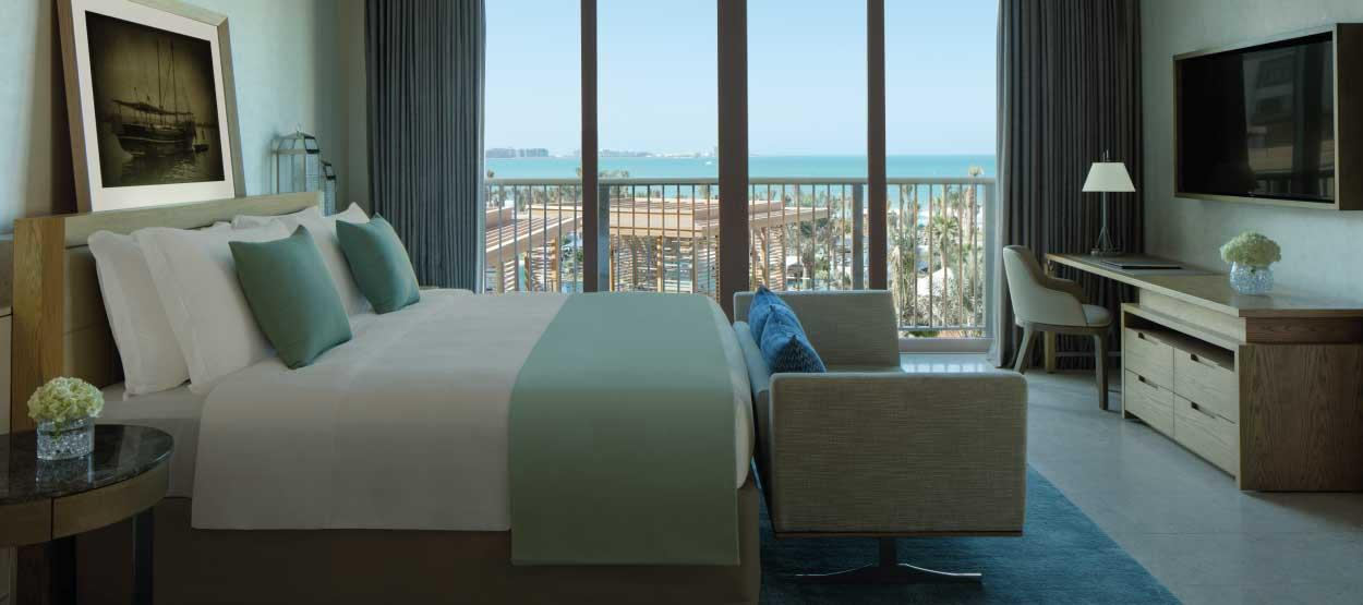 madinat-jumeirah--jumeirah-al-naseem-family-suite-master-bedroom-hero