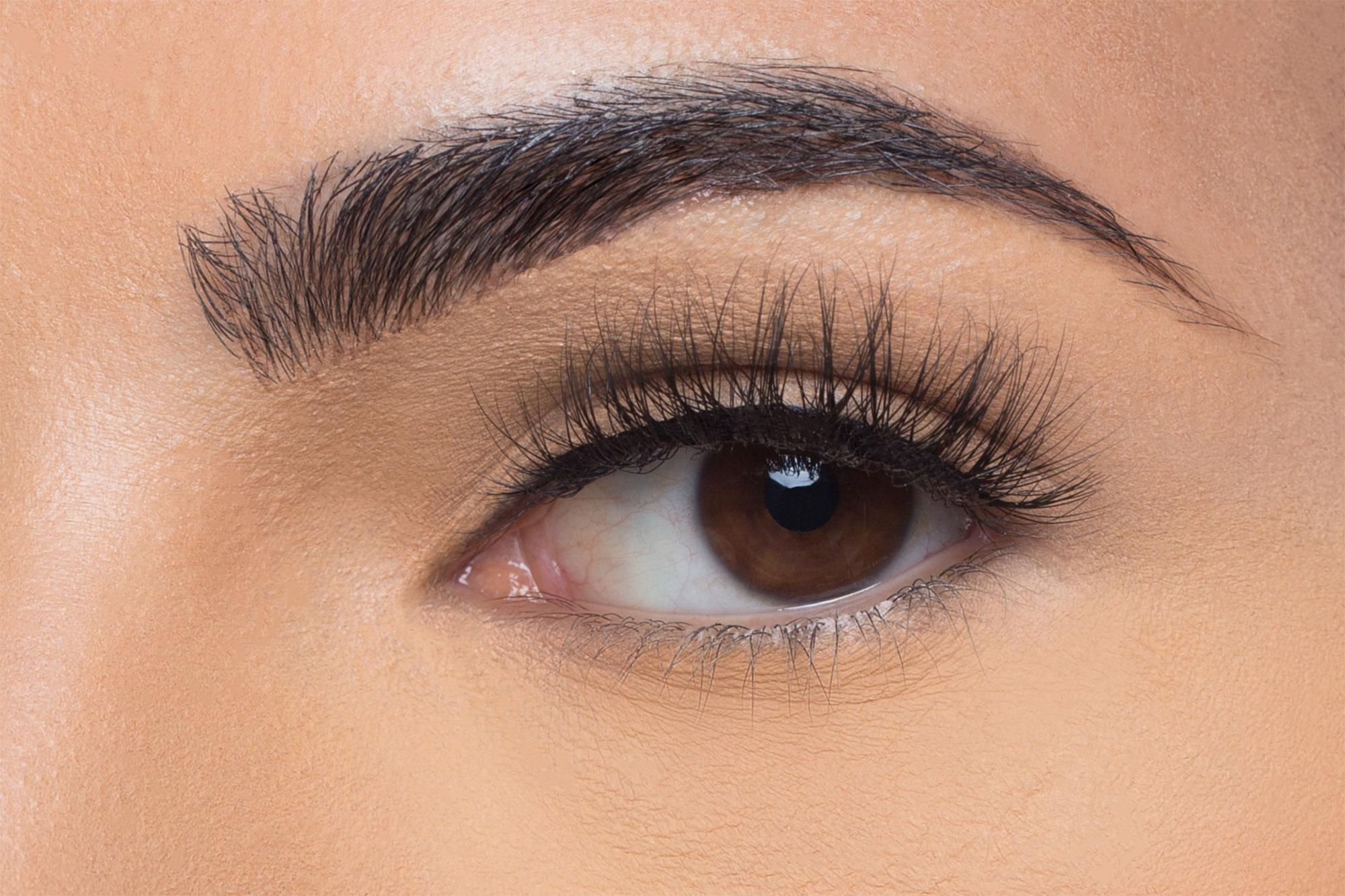 Eva Mink Lashes, close up of ladies eye wearing false eyelash
