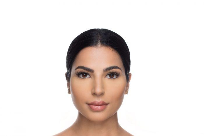 Eva Mink Lashes, close up of ladies face wearing false eyelashes